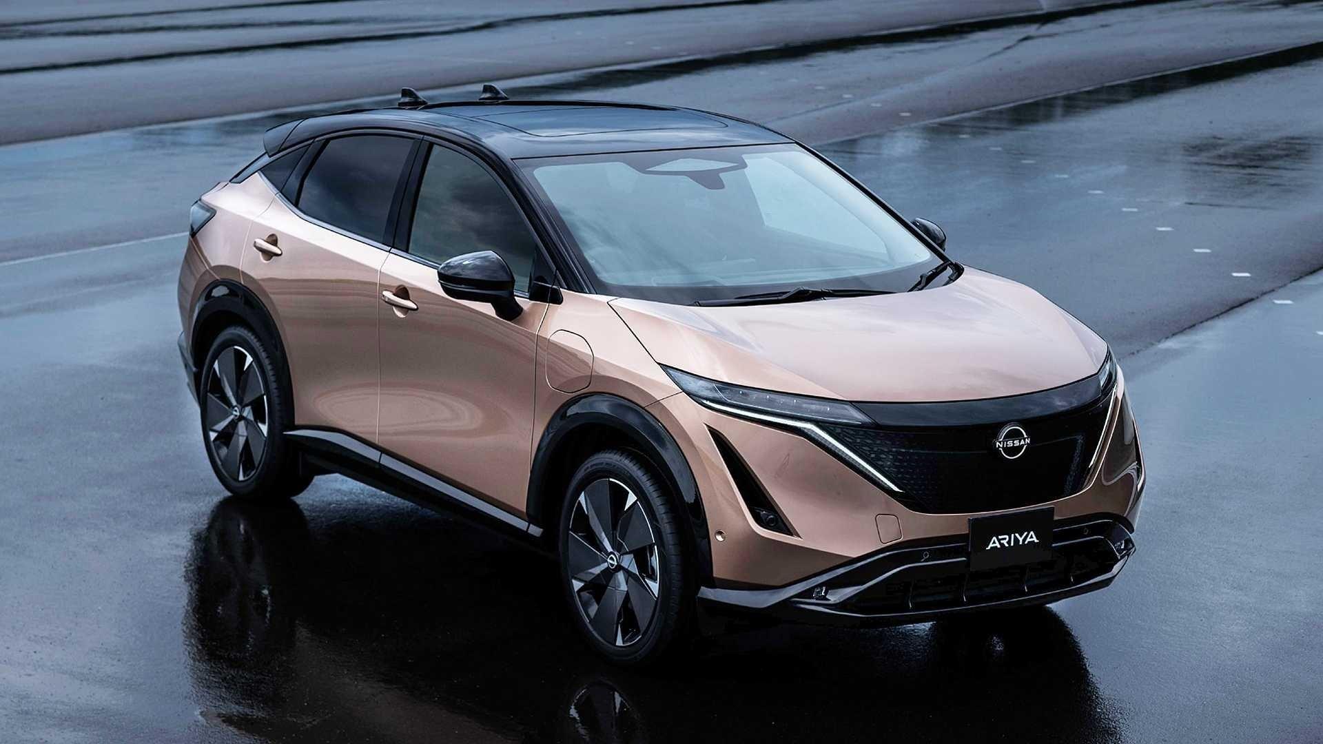 İşte Tesla'nın yeni rakibi! Nissan elektrikli SUV'u Ariya kendini gösterdi.