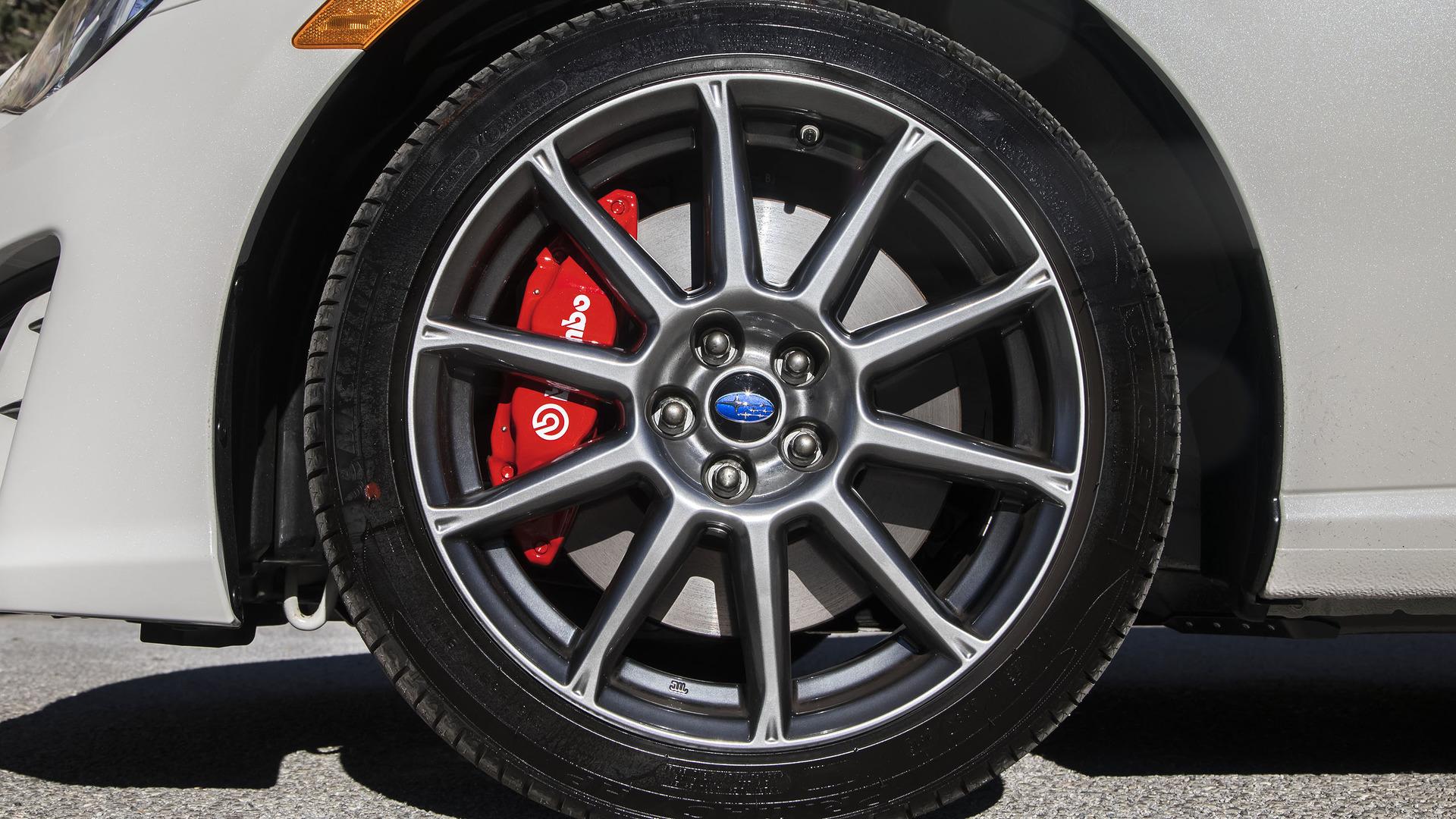 Subaru BRZ makyajlandı