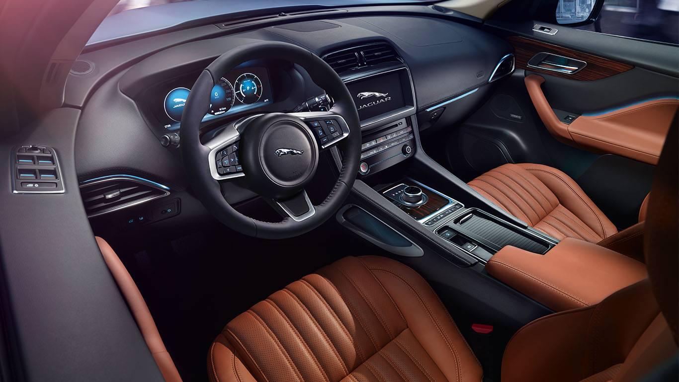 2019-jaguar-f-pace-ic-gorunus