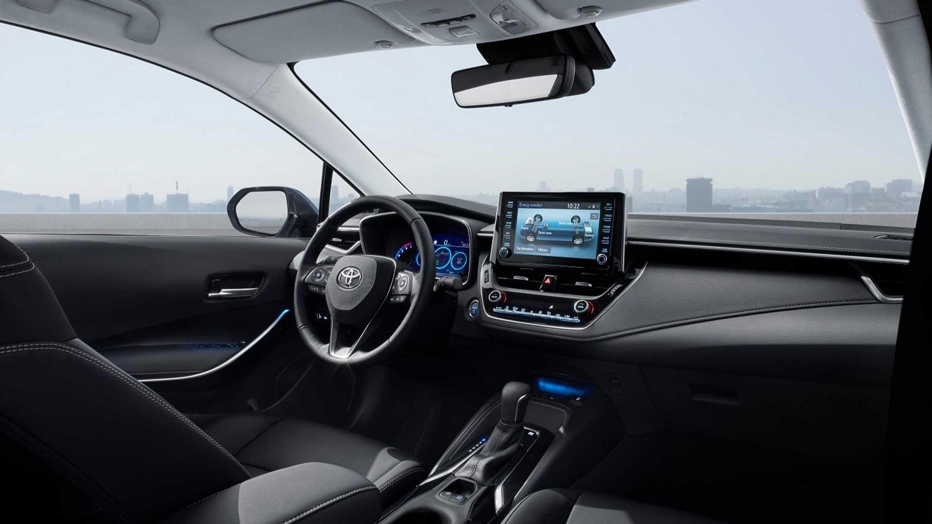 2019-toyota-corolla-hybrid-sedan (4)