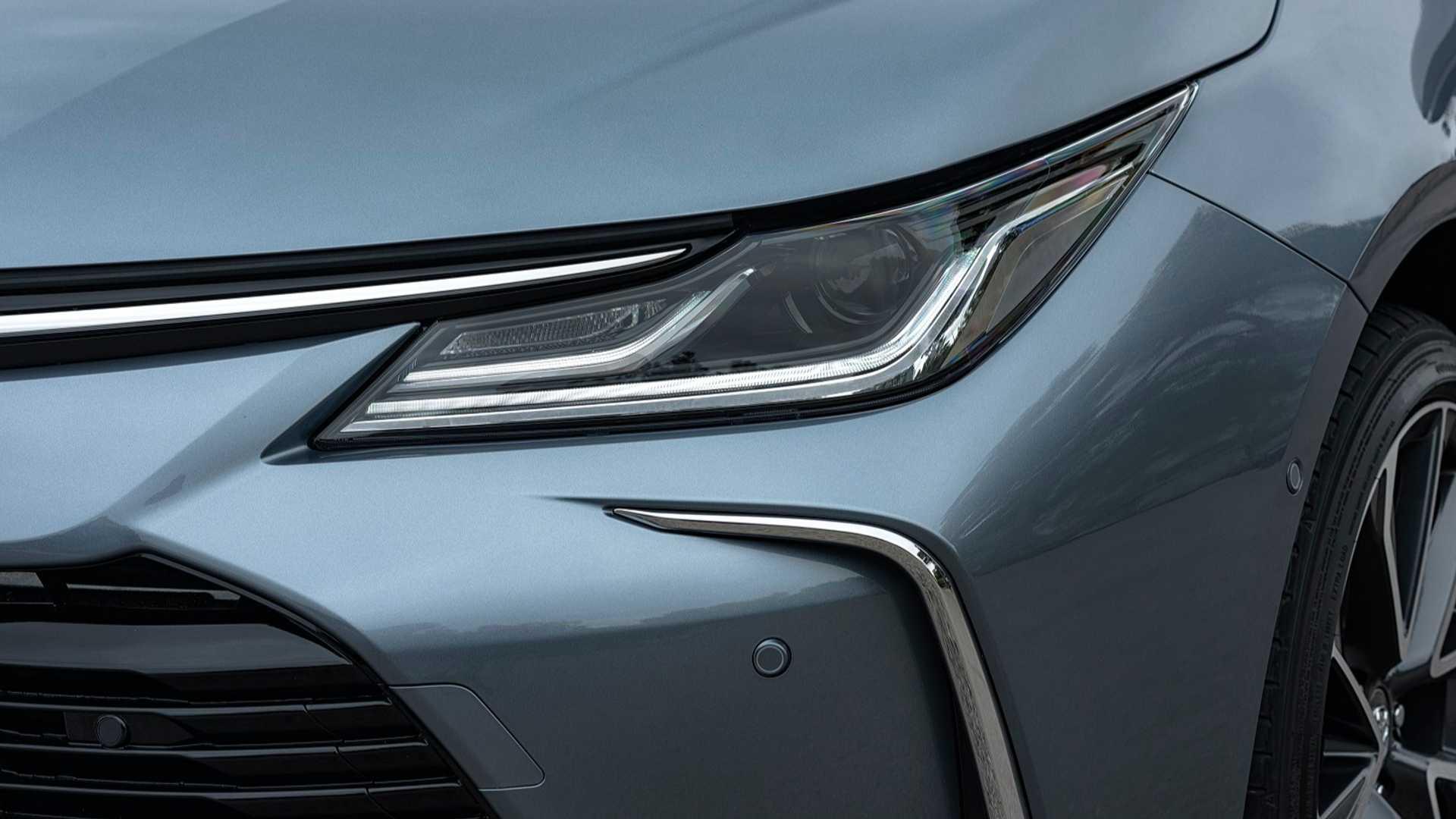 2019-toyota-corolla-hybrid-sedan (5)