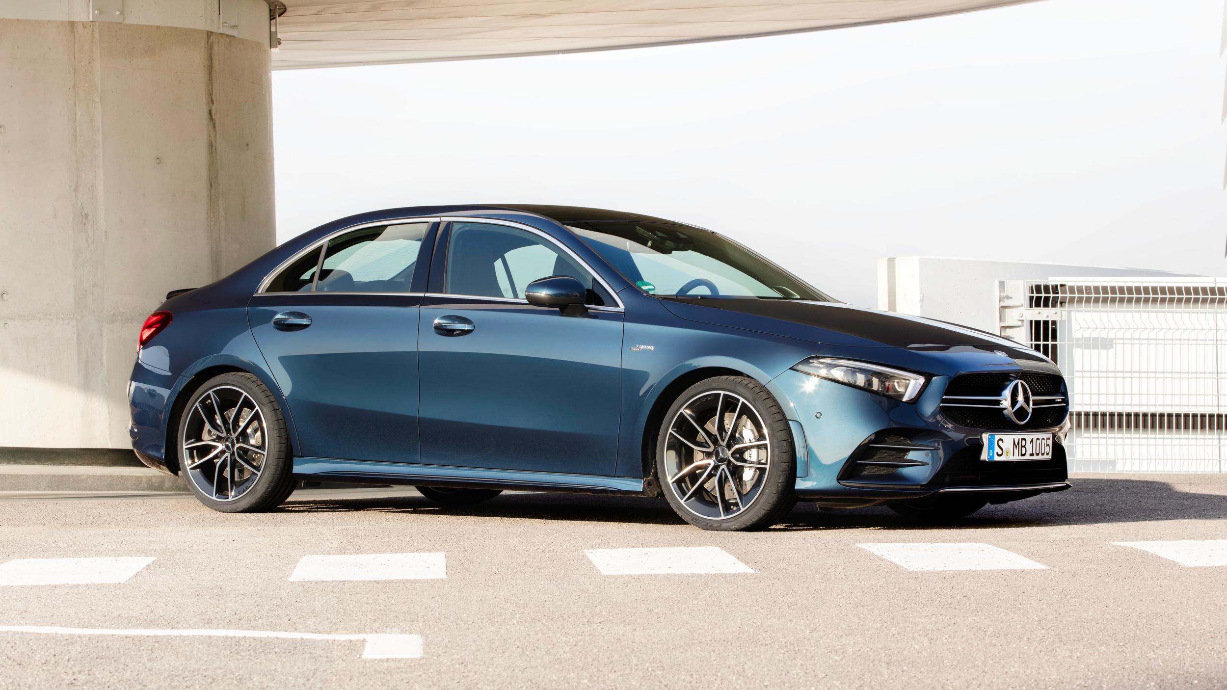 2020 Mercedes-AMG A 35, 300 beygir gücüyle geliyor