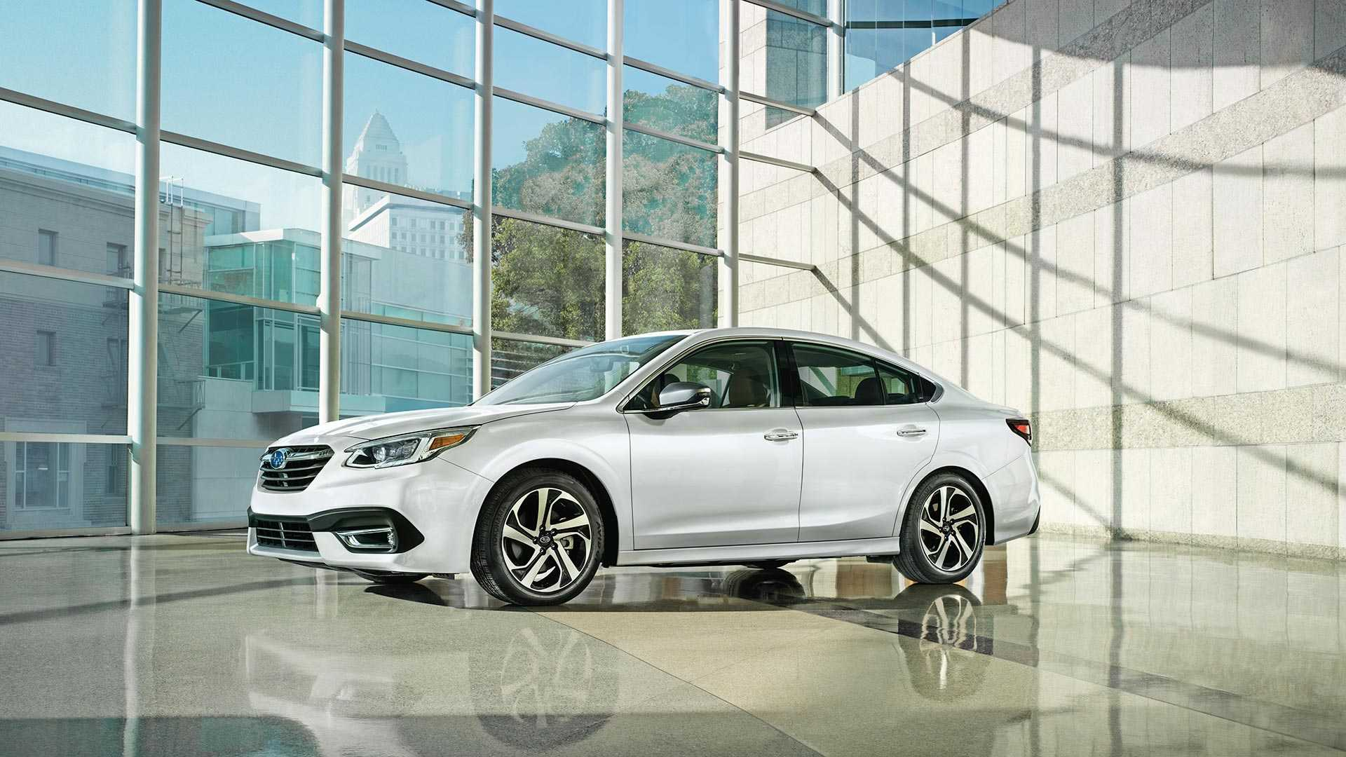 Subaru Legacy tamamen yenilendi