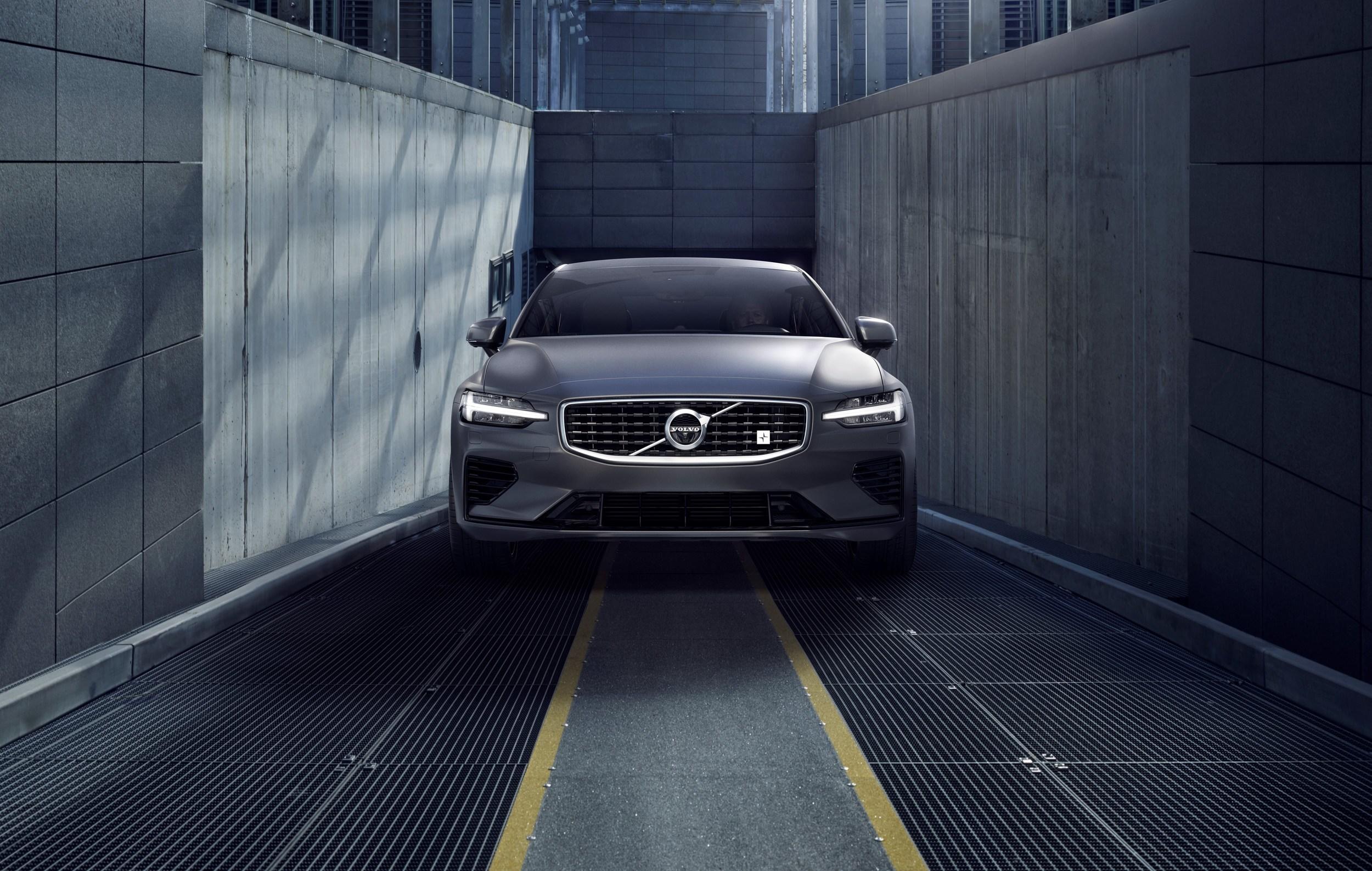 2019 Volvo S60 Türkiye'de satışa sunulacak.