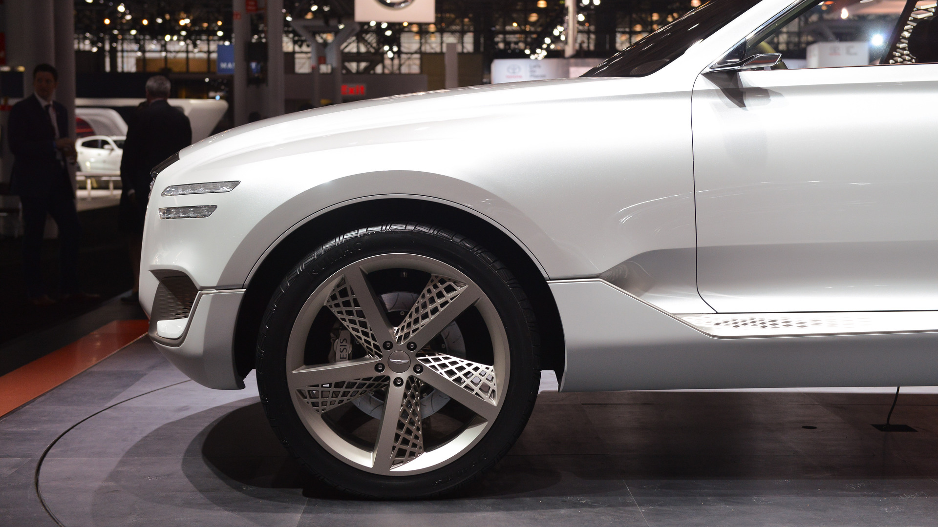 genesis-gv80-plug-in-fuel-cell-concept-new-york-2017 (4)