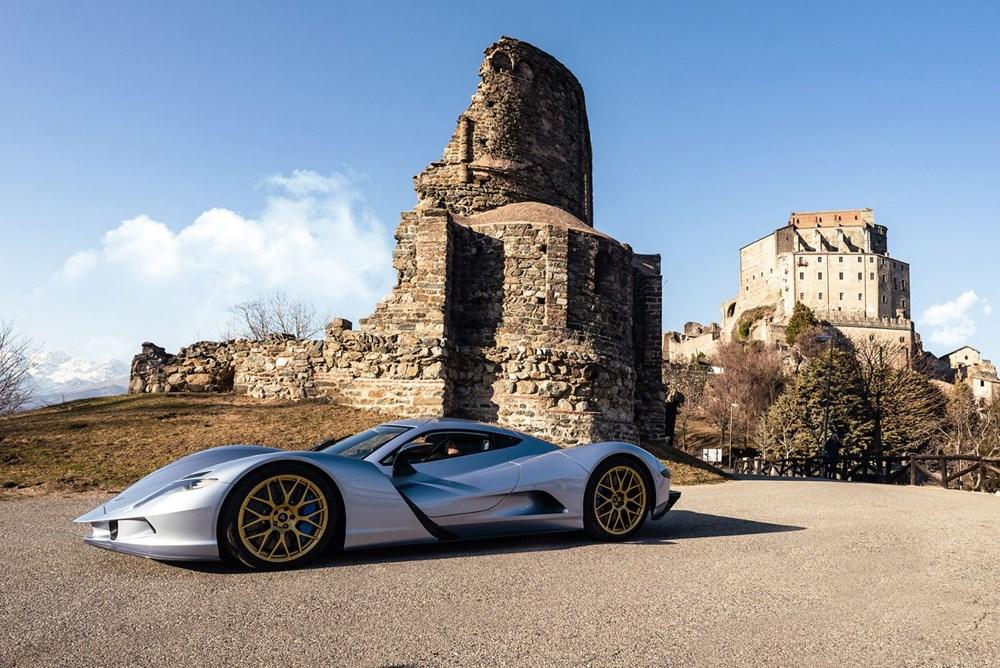 Dünyanın en pahalı elektrikli otomobili ilk teslimata hazır